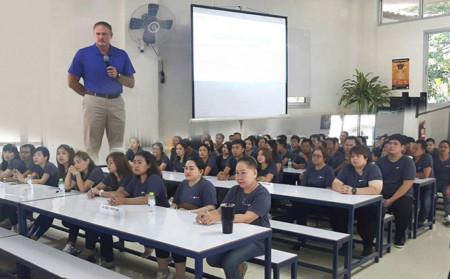 Globiz Venture staffs visit LZBTH factory